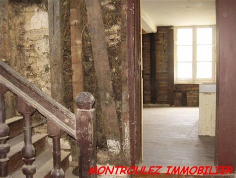 Belle maison de ville du 17eme à rénover entièrement