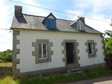 Jolie maison de 1920 à rénover sur 3.2 hectares