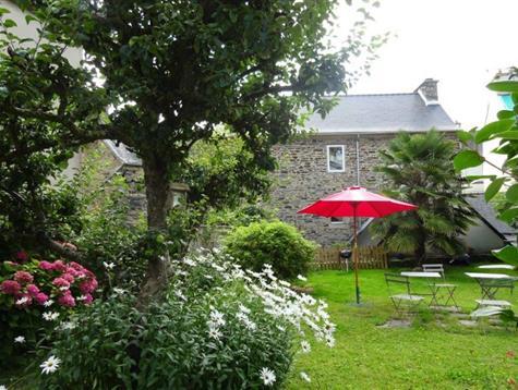 Très jolie maison de 5 chambres, garage et jardin