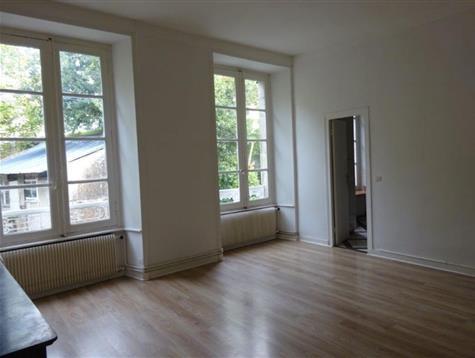 Centre ville, appartement de 95 m² au 2ème étage